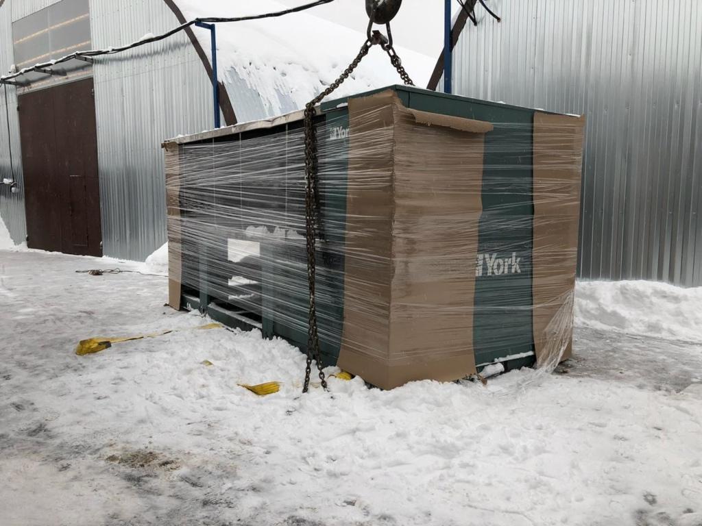 Выкуп, погрузка и доставка промышленного чиллера в Москве